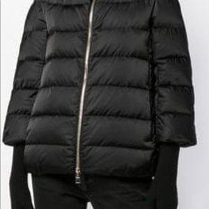 BNWT Herno black satin puffer w/ fur collar
